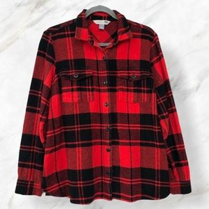 Old navy small plaid button up red black checkered